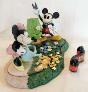 Walt Disney Classics Collection Mickey Cuts Up Minnie Base Title