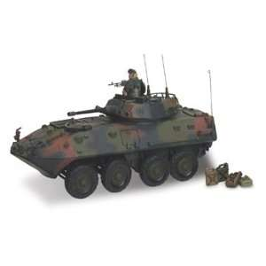 Forces of Valor U.S. Light Armored Vehicle LAV 25 1:32