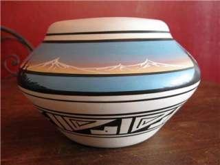 NAVAJO NAATSIILID MOUNTAIN POT Signed INEZ Native American Art Pottery