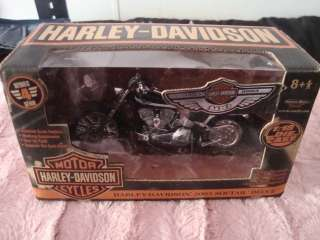 HARLEY DAVIDSON 100TH ANNIVERSARY SOFTAIL DEUCE 118 DIECAST MINT IN