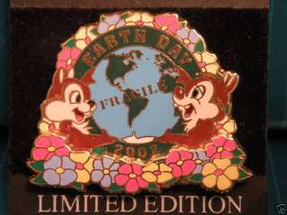 Disney EARTH DAY 2002 PIN (LE 2500) Chip & Dale