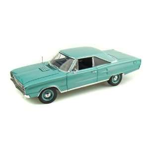 1967 Dodge Coronet R/T 1/18 Medium Turquoise Toys & Games