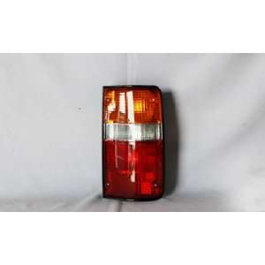 89 95 TOYOTA PICK UP TAIL LIGHT SET: Automotive