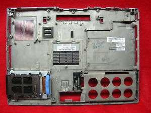 NTB DELL LATITUDE D830 BOTTOM CASE WITH PCMCIA READER