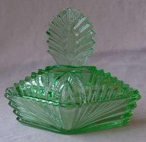 NEW MARTINSVILLE ART DECO DEPRESSION GREEN VASELINE URANIUM GLASS