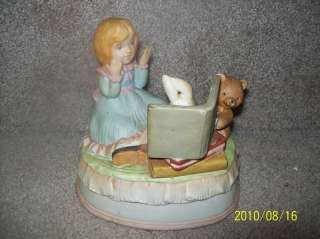 Vintage Toyo Peter Rabbit China Figurine Music Box