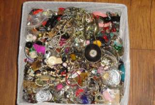 LOT VTG JEWELRY 14+ LBS HUGE MIX COSTUME ESTATE WEAR REPAIR PARTS