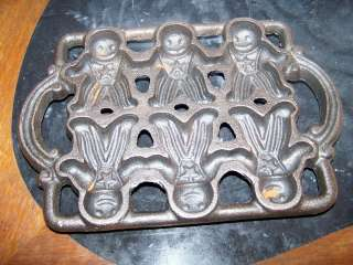 Cast Iron Gingerbread Man Cookie Pan Mold