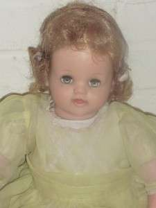 1953 MAGIC FLESH VINYL HEAD OILCLOTH BABY DOLL WITH SARAN WIG IDEAL 20