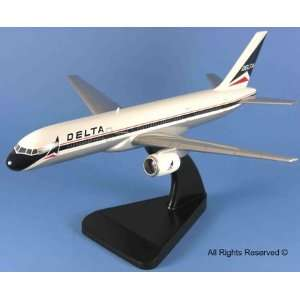 Airplane   Delta Airlines Boeing 757 Model Airplane Toys & Games