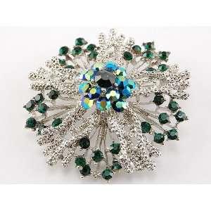 Emerald Green Crystal Rhinestone Wreath Holiday Pin Brooch Jewelry
